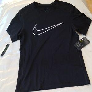 Nike Dri-Fit Short Sleeve Tee - L